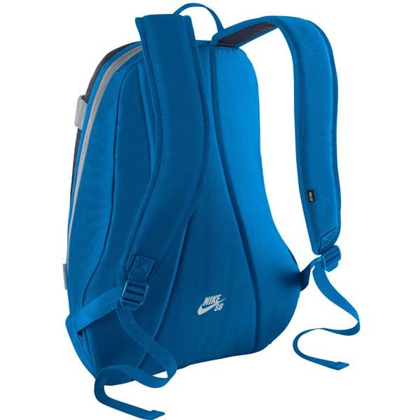 Nike SB Embarca medium 32L Schulrucksack mit wasserabweisenden Polyester