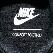 mit komfortablen Fußbett