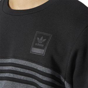 Adidas Trefoil Logo und 3-Streifen auf Vorder- und Rückseite