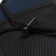 Einstellbare Schnur mit Kunststoff-Stopper