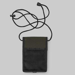 Zusätzliche Mesh-Tasche an der Rückseite