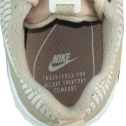 Nike Logo Engineered For All Day Every Day Comfort in der Sohle
