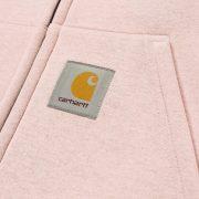 Carhartt Logo Patch auf der Tasche