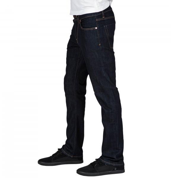 Jeansstoff zeichnet sich durch Langlebigkeit und Funktionalität aus