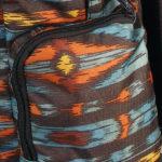 zwei seitliche Zugriffstaschen mit Zipper