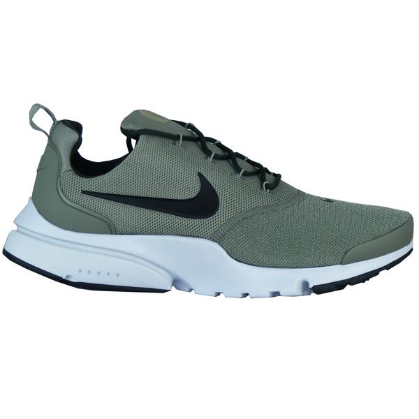 9314d3826751f4 Nike Presto Fly White Herren Sneaker · Gummi-Außensohle an der Ferse und im  Zehenbereich. Gummi-Außensohle an der Ferse und im Zehenbereich