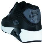 geteilte Nike Air Max Schriftzüge an den Seiten und der Ferse
