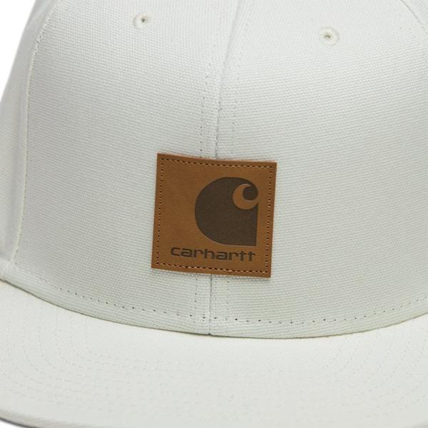 Carhartt Leder Logo Patch auf der Frontseite
