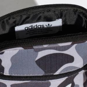 Haupttasche mit internen seitlichen Utensilien Tasche