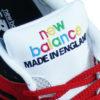 Zungenlabelpatch Nähererei aus farbigen Zwirn New Balance Made in England