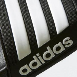 modisches Design mit Adidas 3D Schriftzug auf der Vorderseite