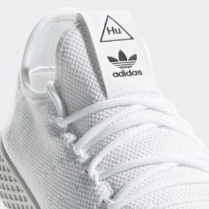 f7a5d801b7386 SALE Adidas Pharrell Williams Tennis Herren Schuhe 2019 · 4- Loch  Schlaufenschnürung über Rundsenkel