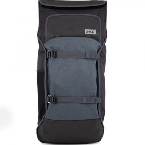 2 Zugänge zum Hauptfach: Rolltop System mit Klettverschluss und umlaufender Zipper am Rücken