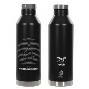 Iriedaily Lines Bottle Trinkflasche 0,8 Liter schwarz